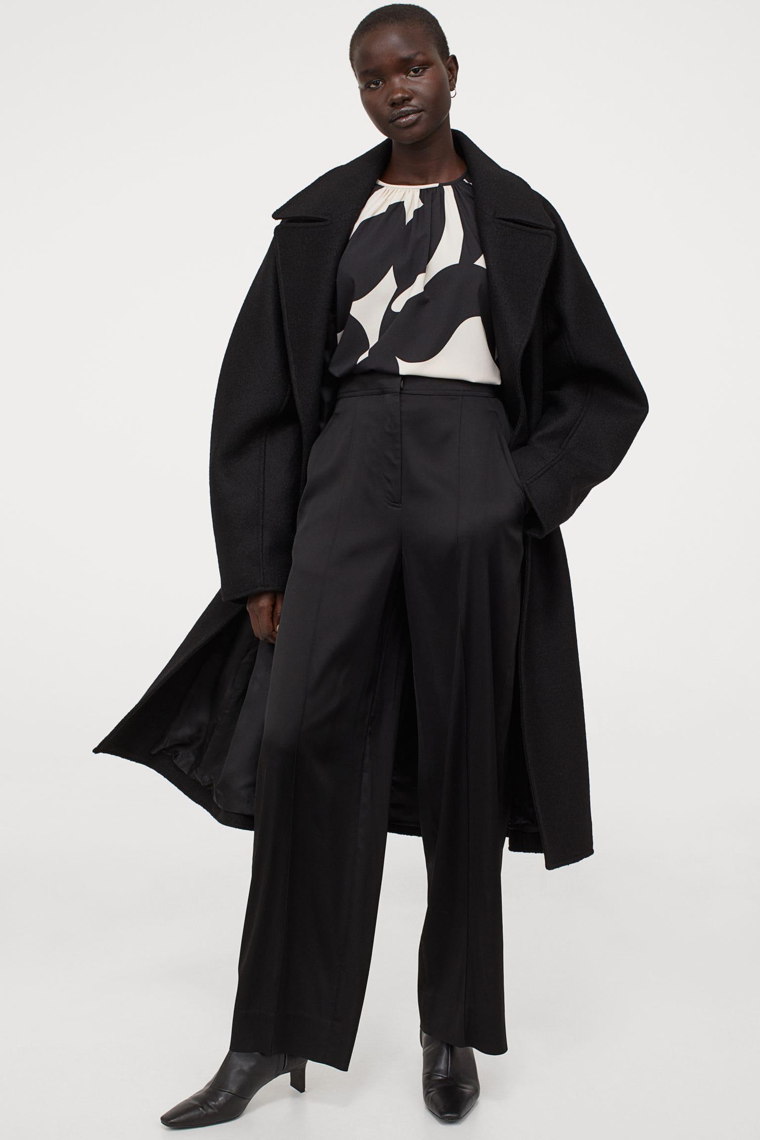 Grafisk blus för dam i svart och vitt