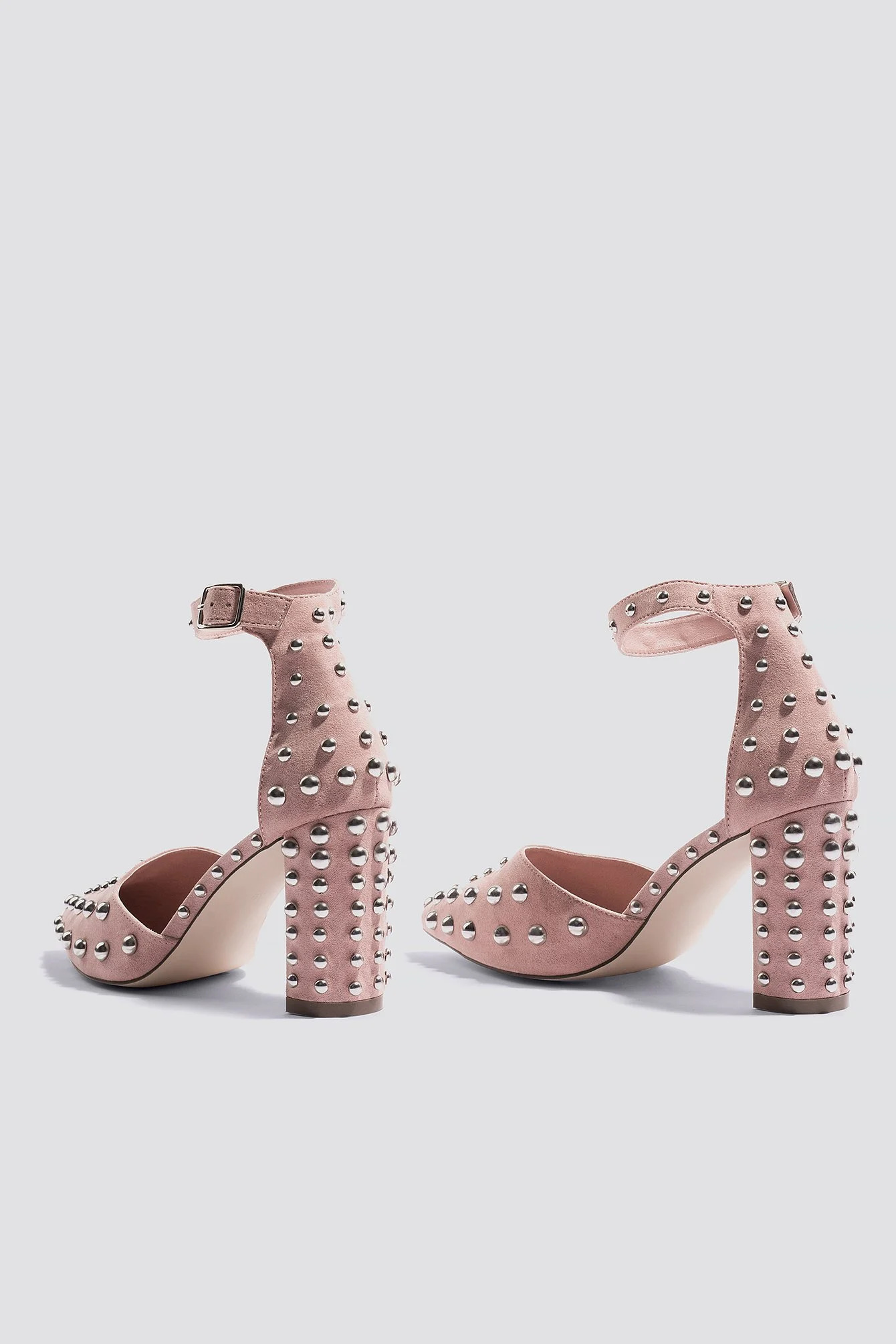 Rosa pumps med metal studs NA-KD Shoes.
