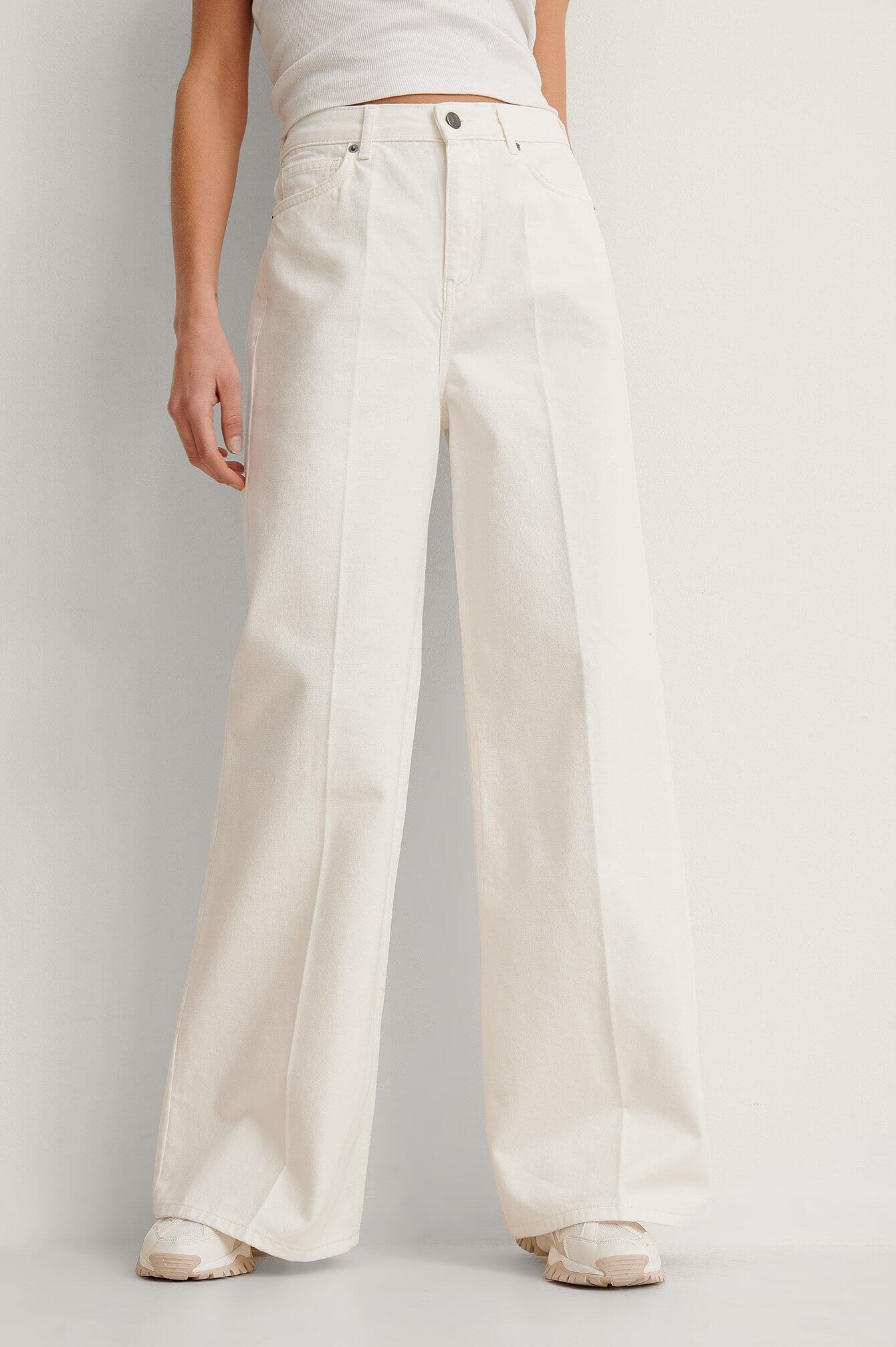 Vida vita jeans från NA-KD.