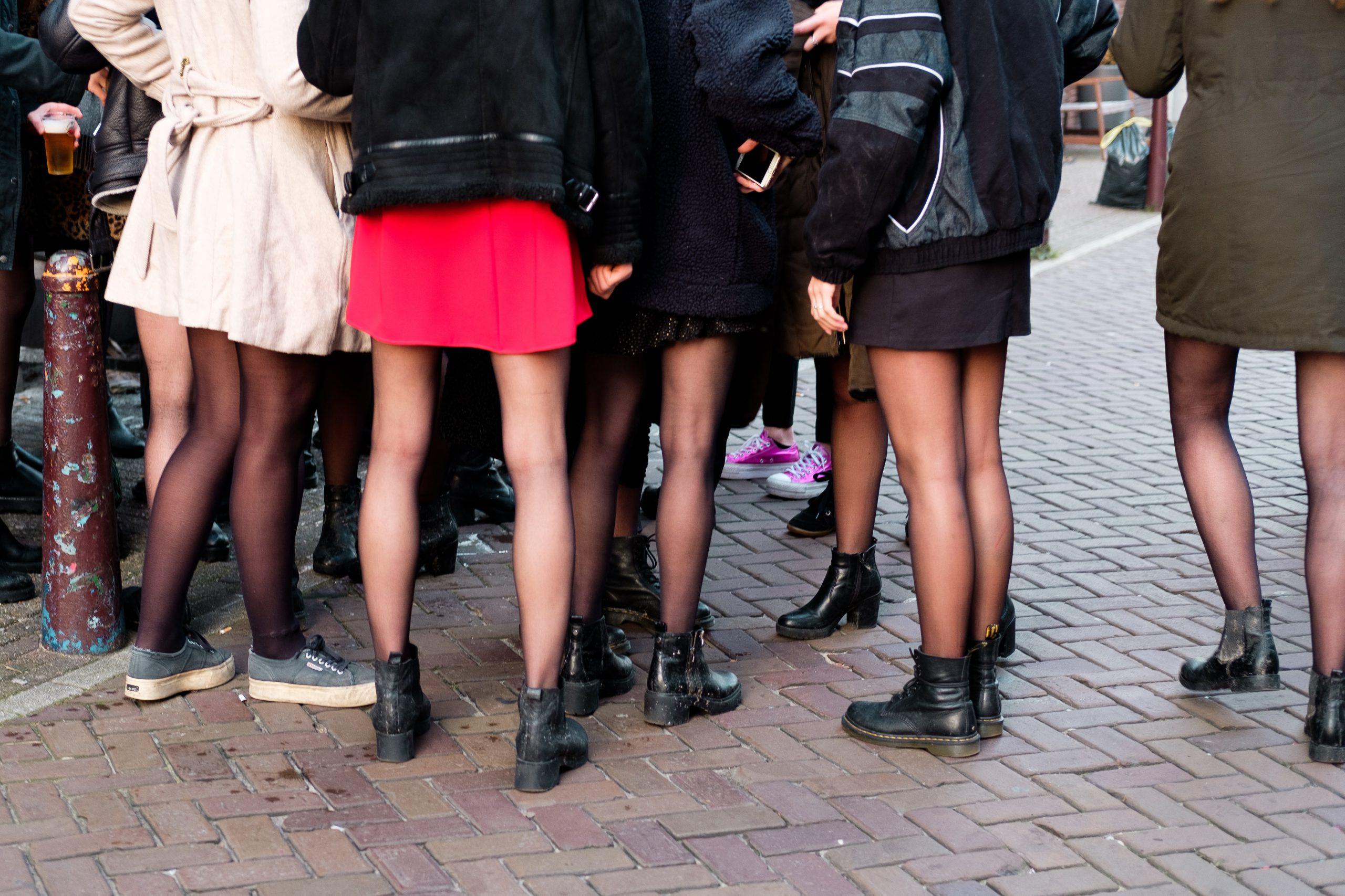 Kjolar dam - billiga, rutiga, svarta, långa, korta kjolar.