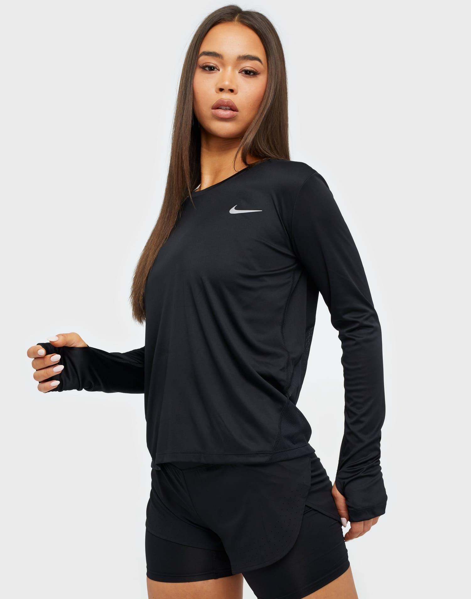 Klassisk tränningstopp från Nike 2021