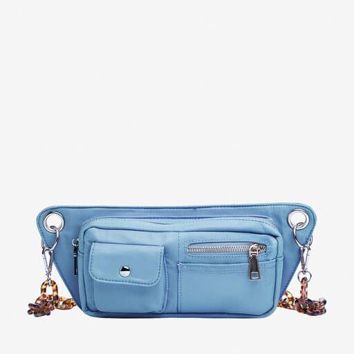 Magväska i blå färg 2021