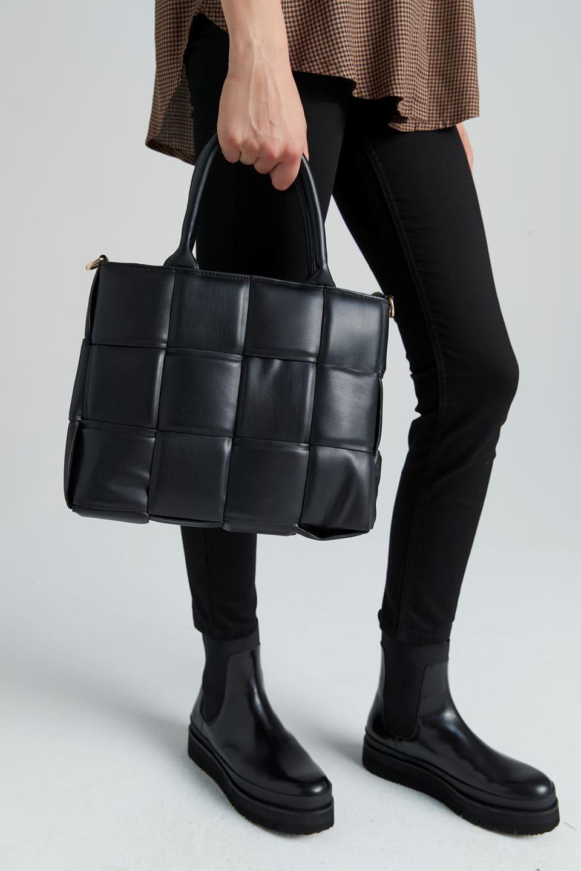 Micha braided bag - bredflätad väska i läderimitation från Stockh lm