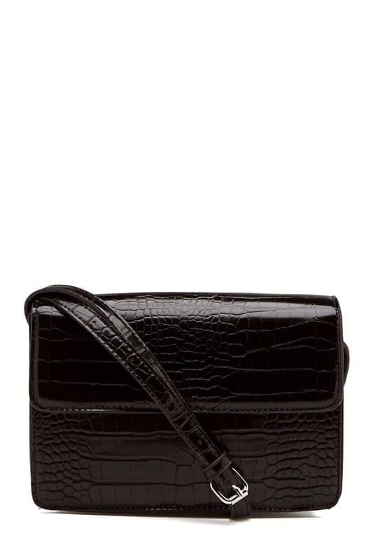 Snygg väska i skinnimitation / fake-läder från Pieces