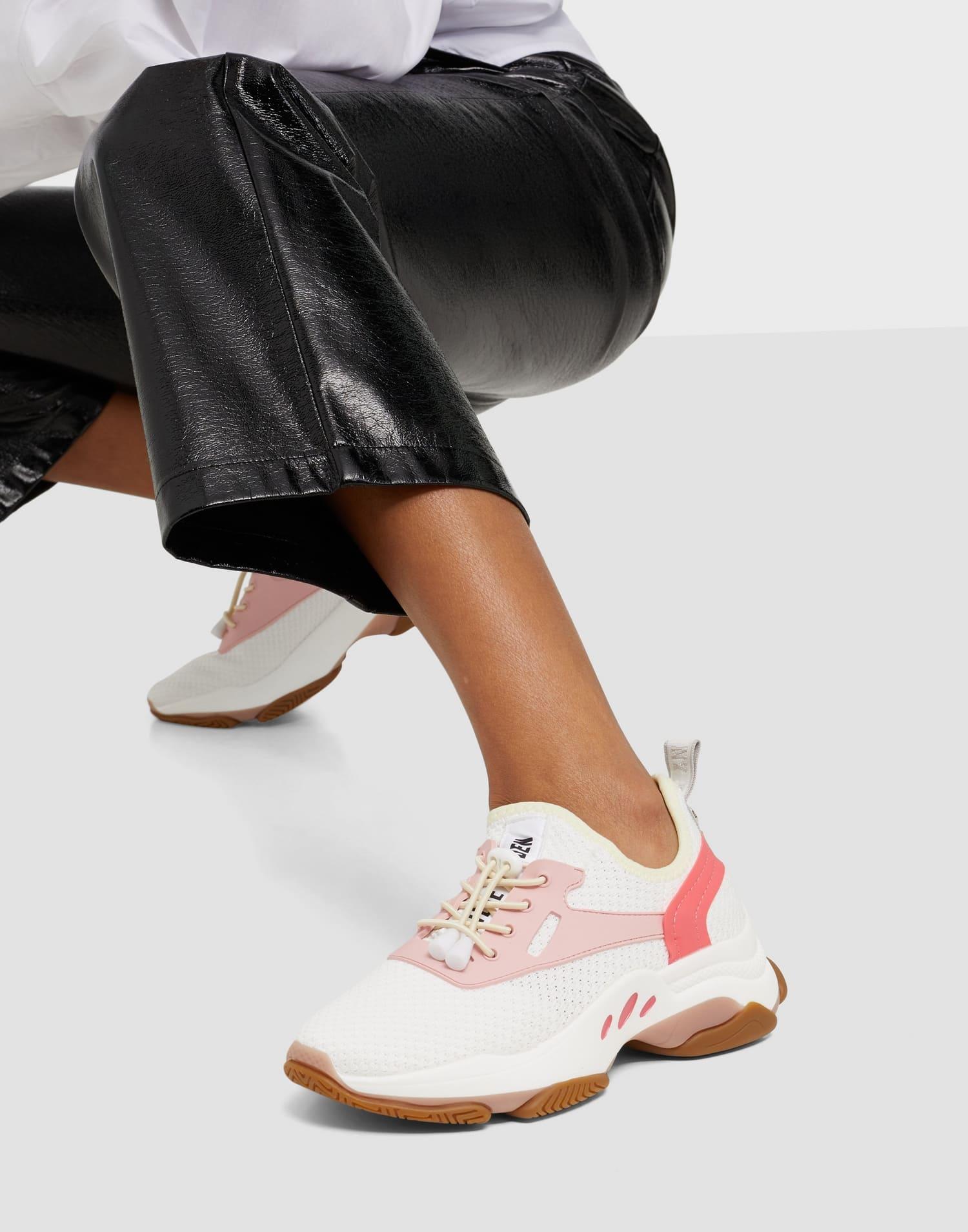 Sneakers från Steve Madden i vit, rosa och brun