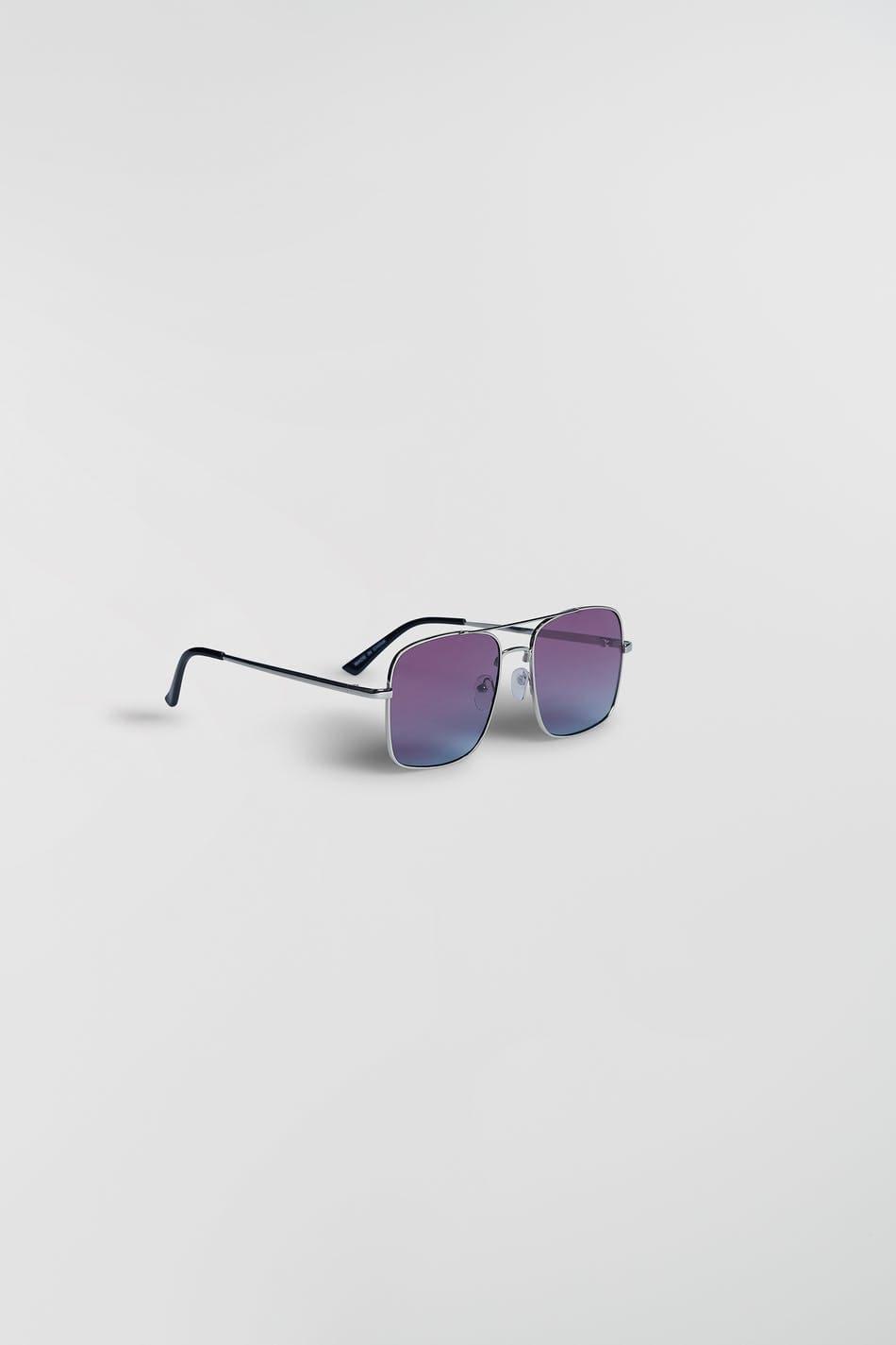 Färgglada solglasögon med silver bågar