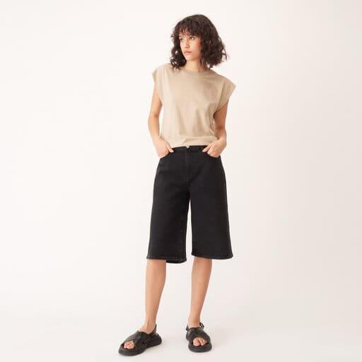 Denim knälånga shorts i svart