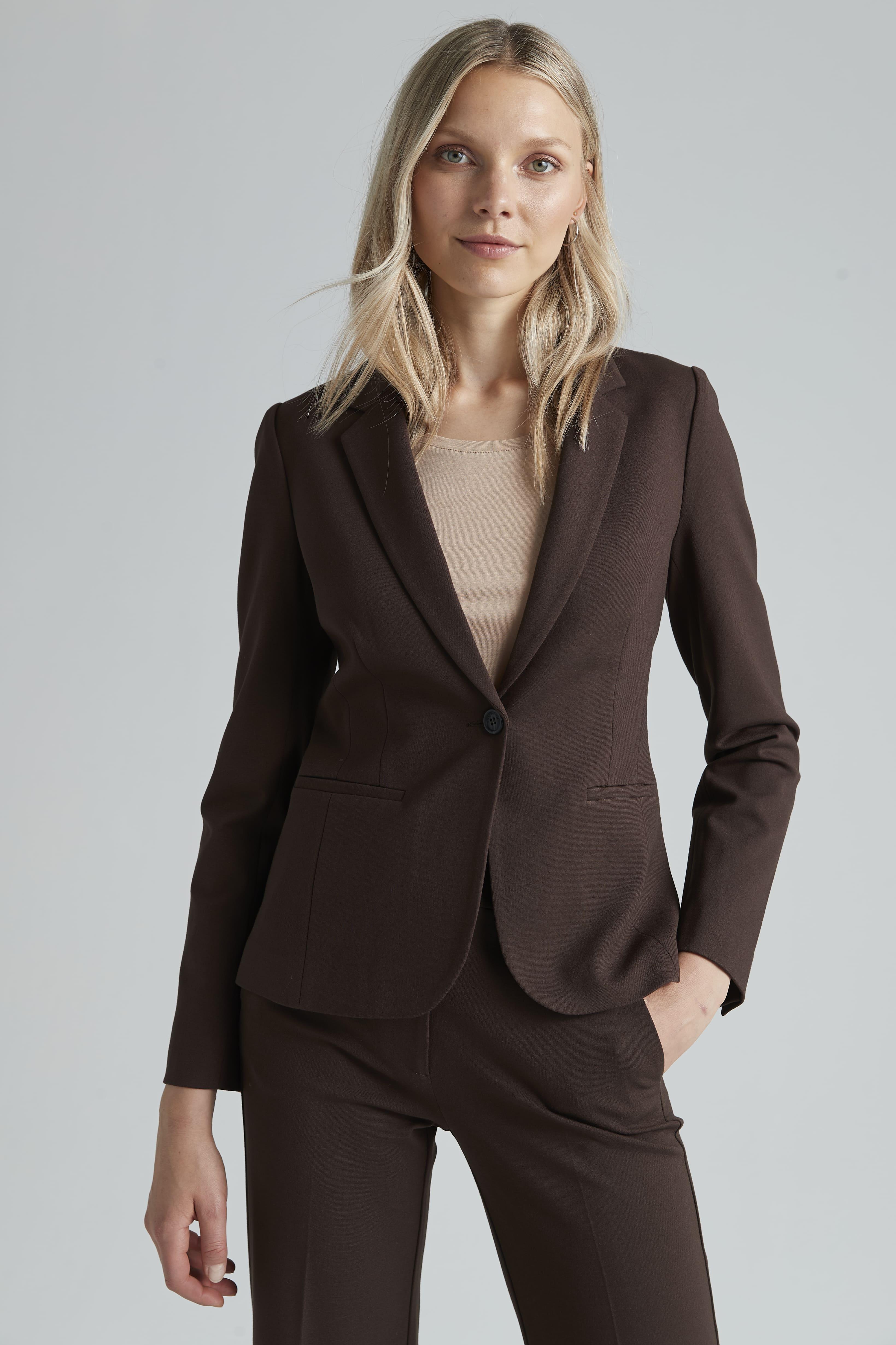 Brun kostym dam 2021