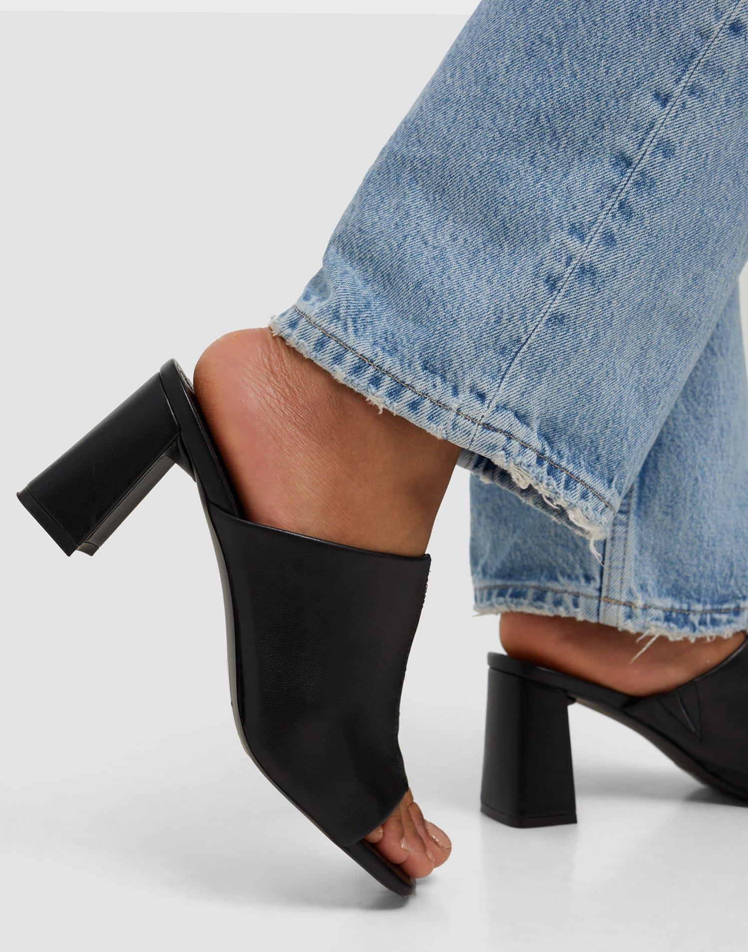 Svarta sandaler för dam från Steve Madden