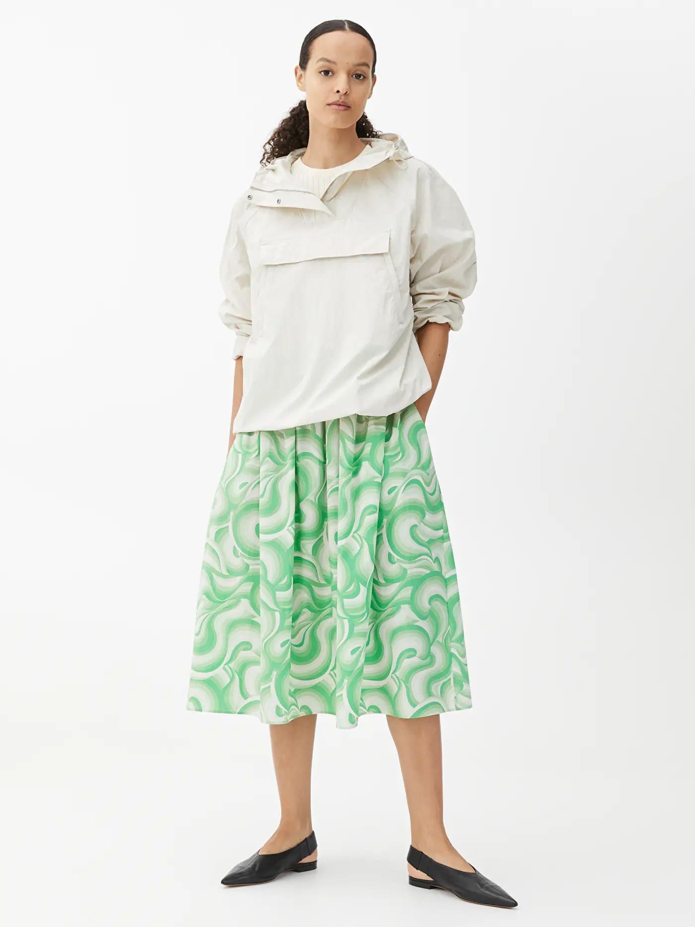 Grön, mönstrad kjol i ekologisk bomull