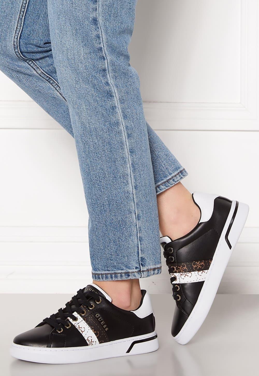 Svarta låga sneakers från Guess med fina detaljer 2021
