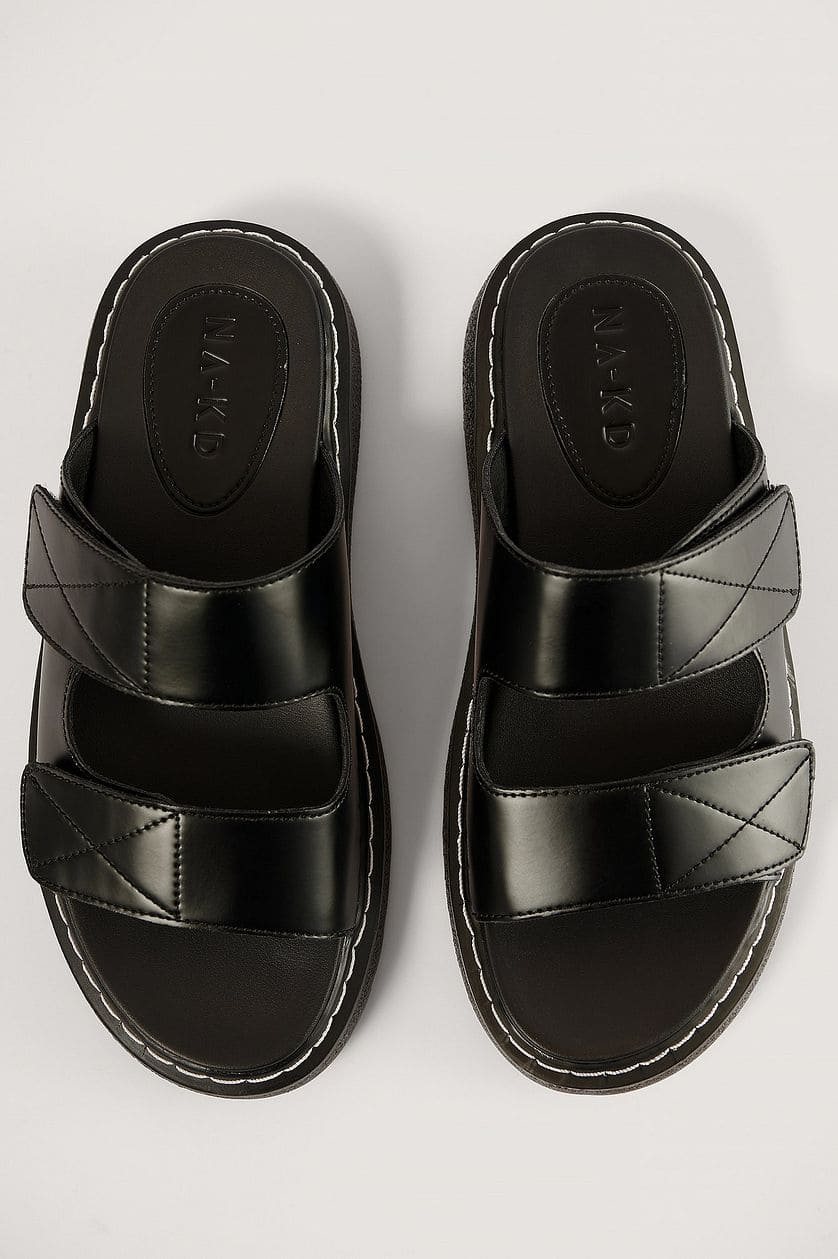 Contrast stitch slippers från NA-KD