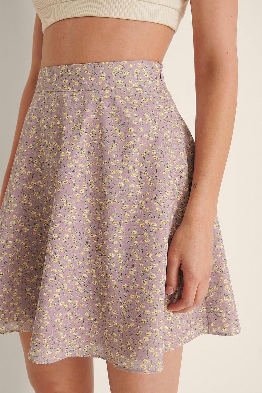 Somrig kjol i mini-längd med mjuk känsla
