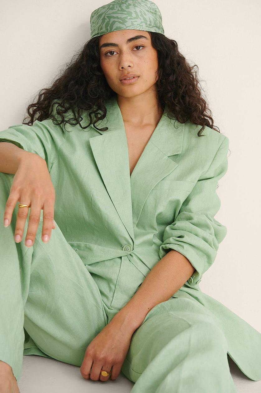 Ljusgrön kostym i oversize 100% linne