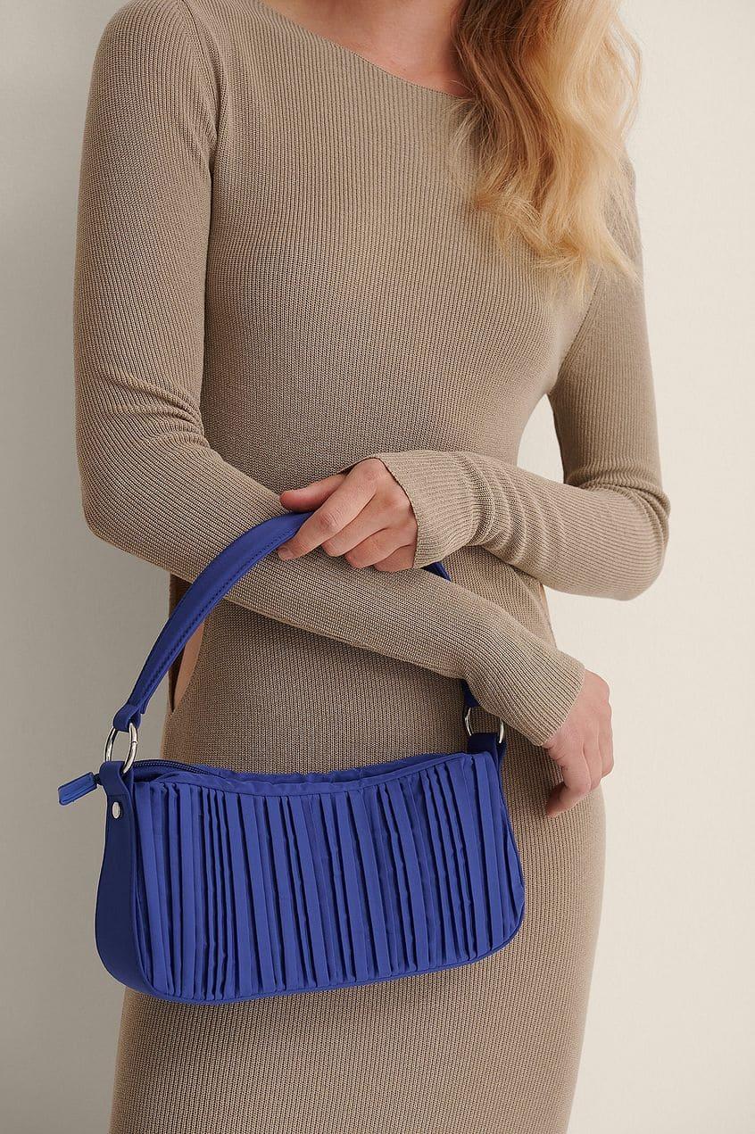 Baguetteväska i blå färg för 2021