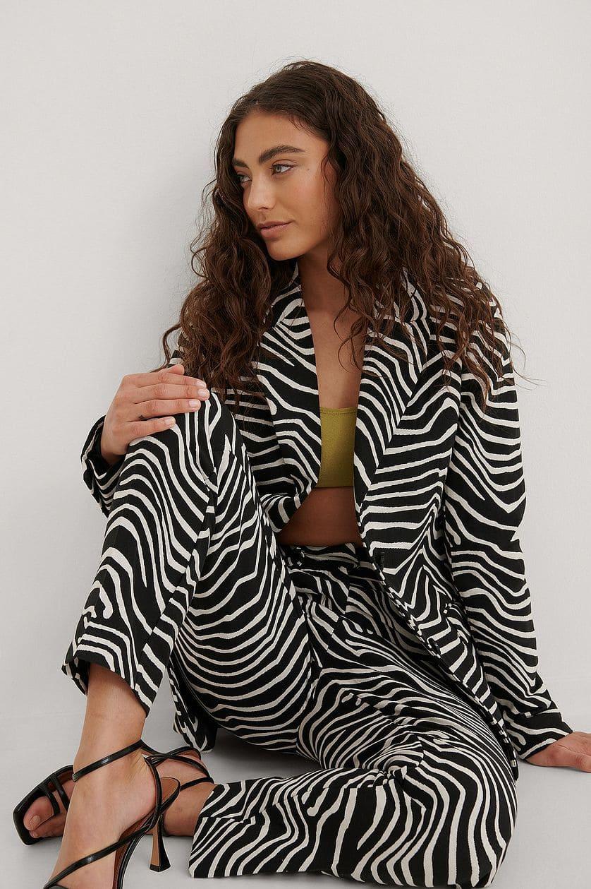 Blazer i zebramönster och svartvit färg