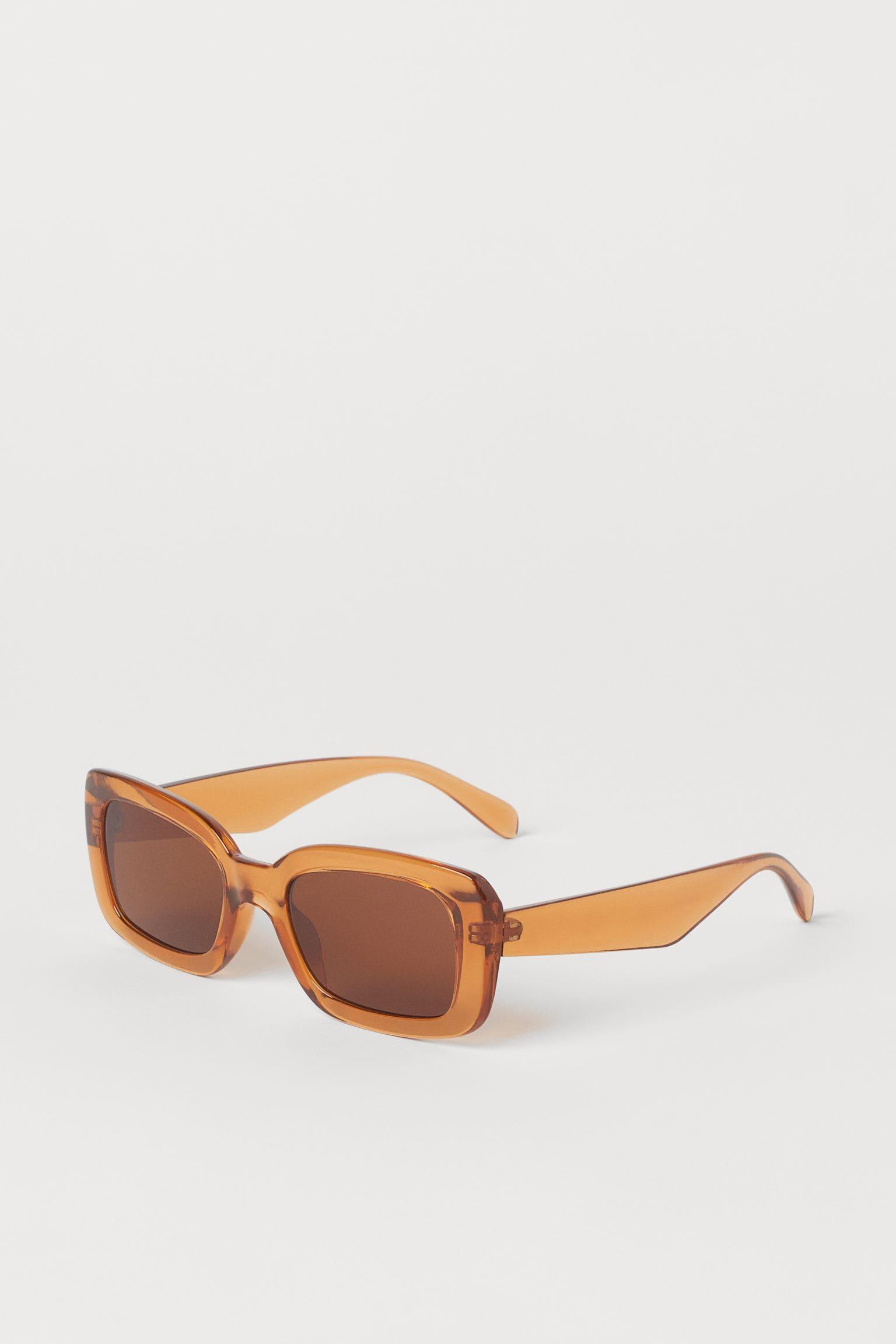 Trendiga solglasögon i orange 2021