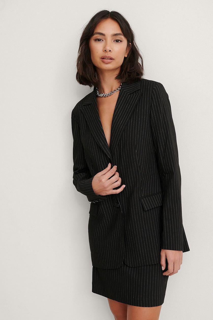 Svart, randig kostym för dam 2021