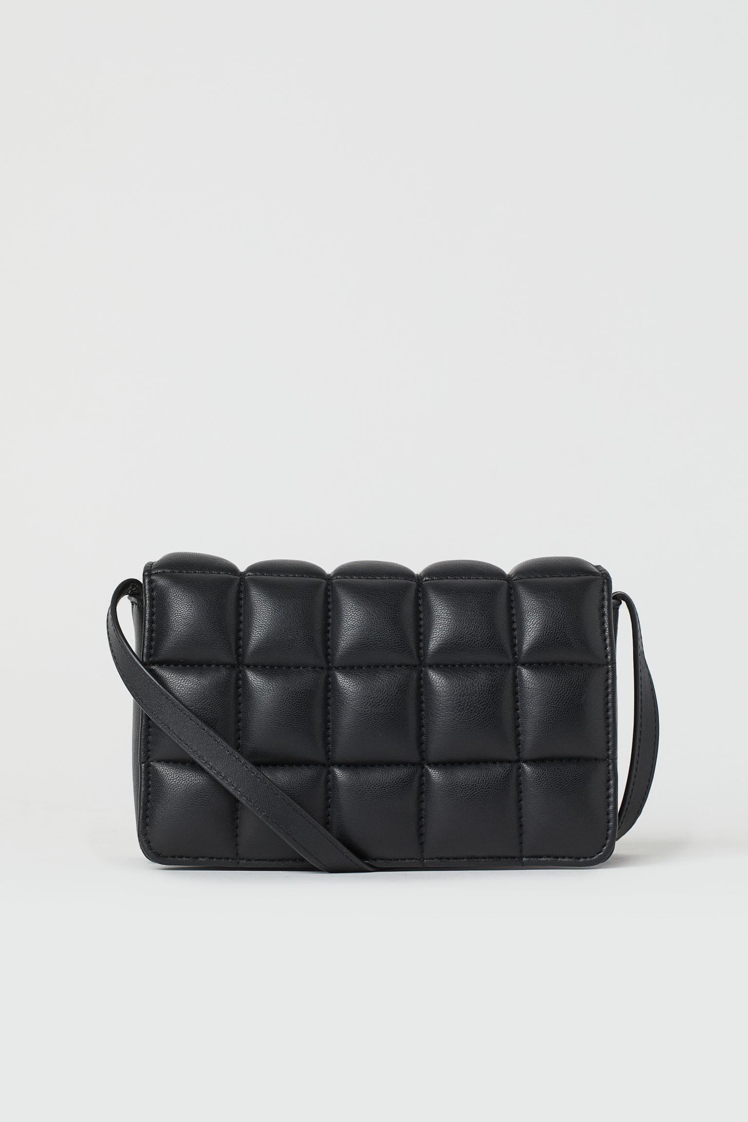 Quiltad svart väska 2021