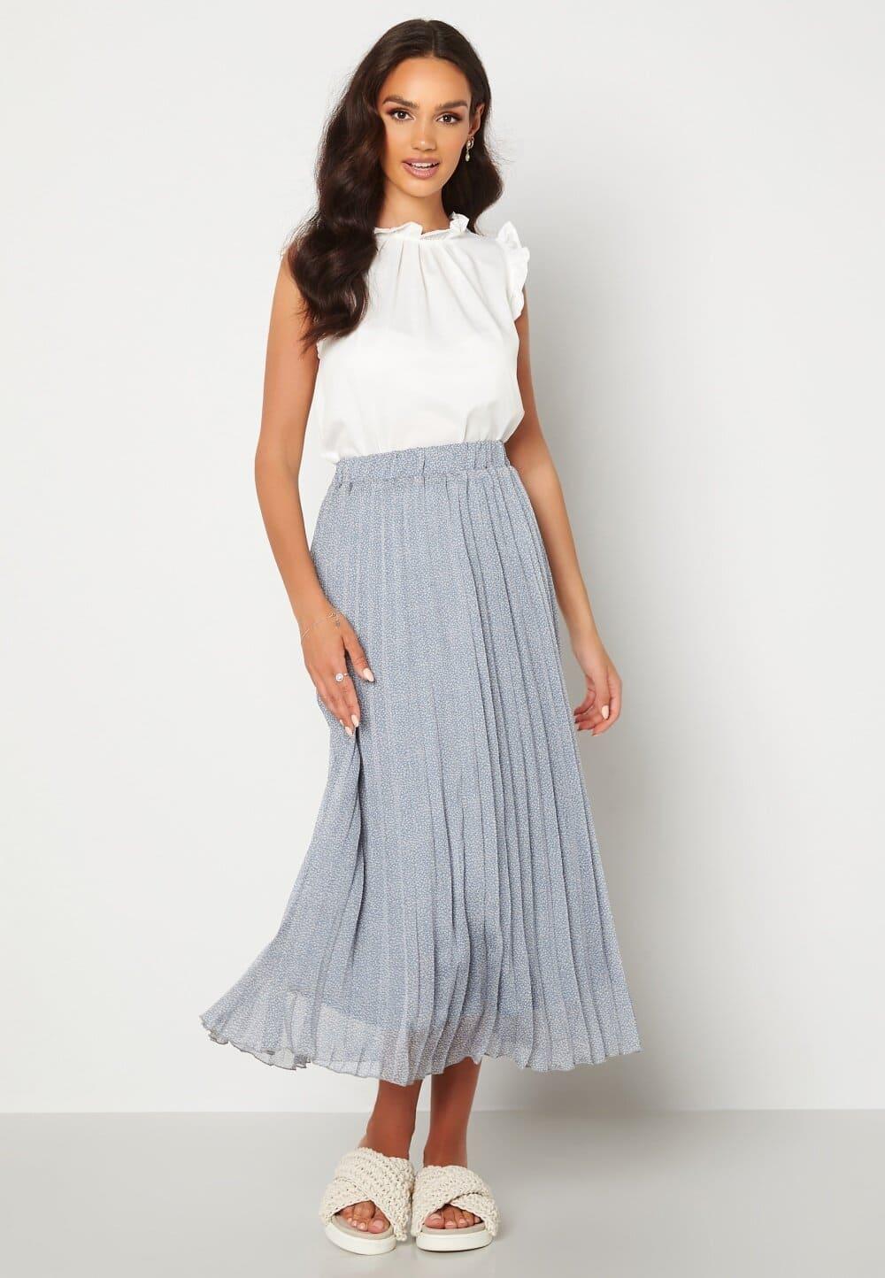 Blå plisserad kjol i lång modell