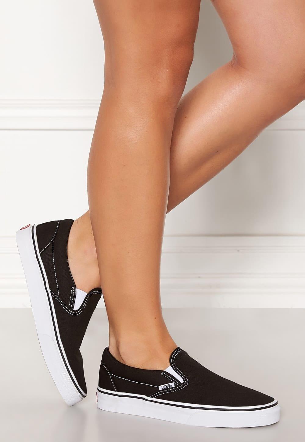 Klassiska slip-on sneakers från VANS