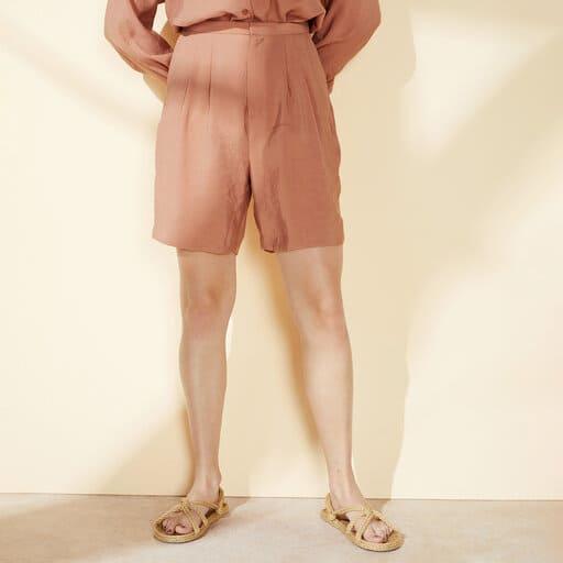 Luftiga shorts i längre modell i Modal-blanding