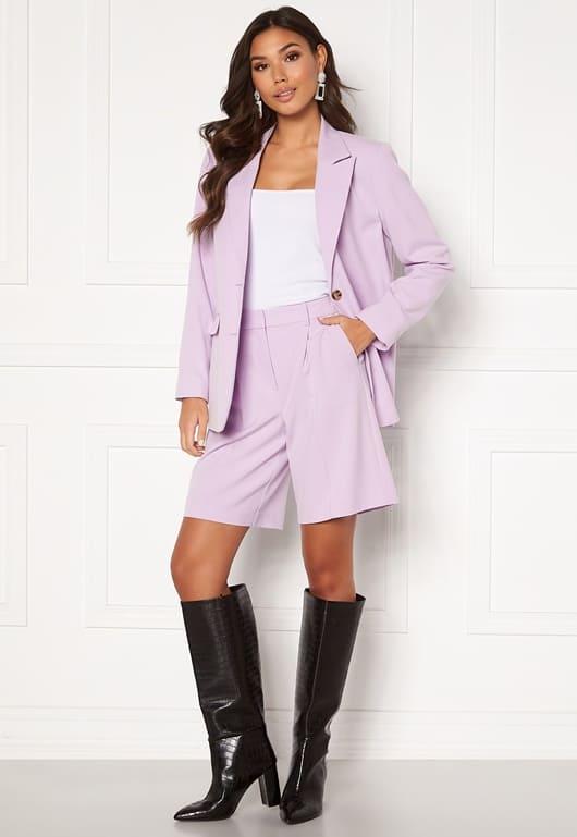 Snygga kostymshorts i lila / rosa för dam 2021