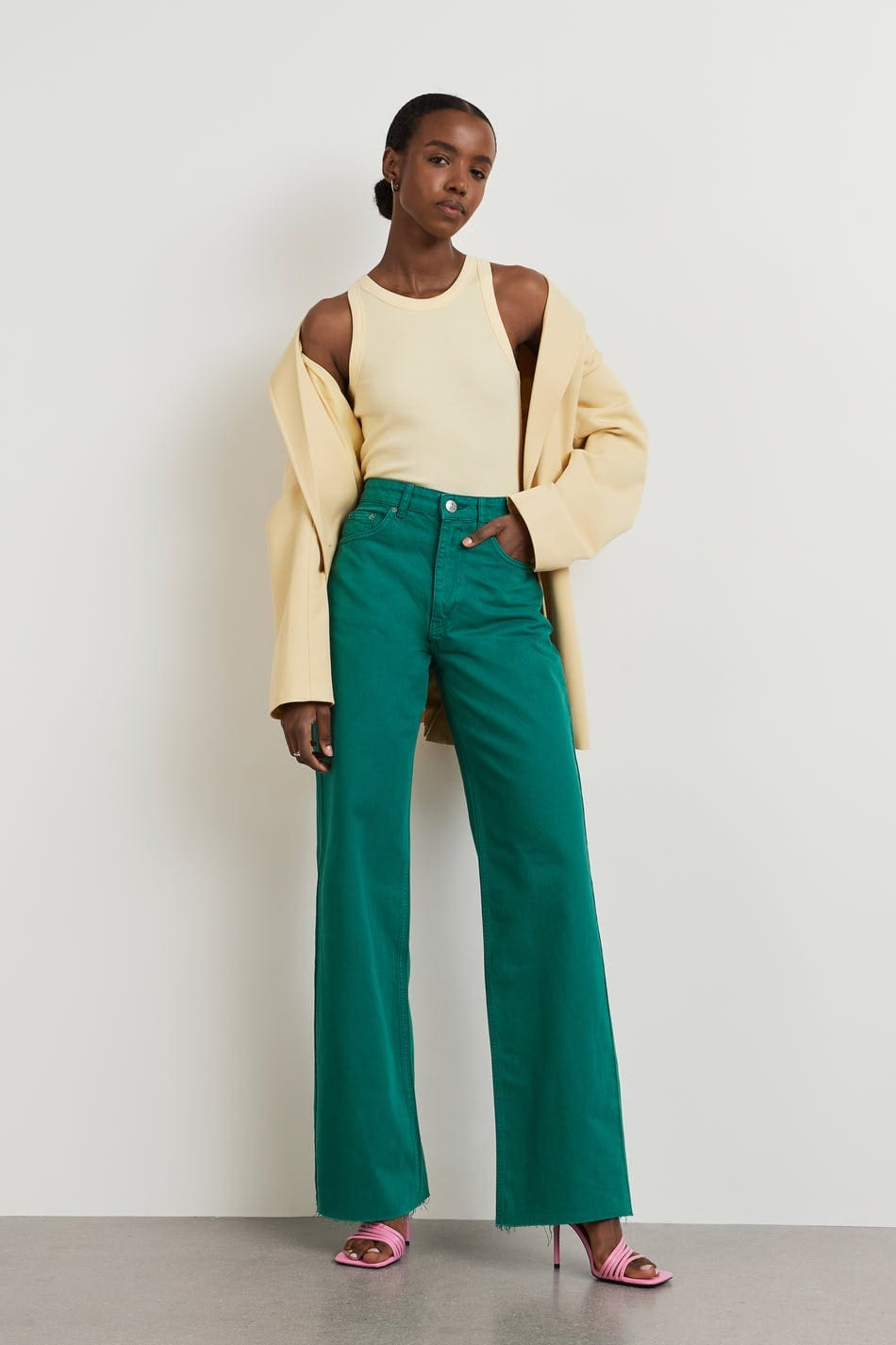 Snygga högmidjade jeans i grön färg