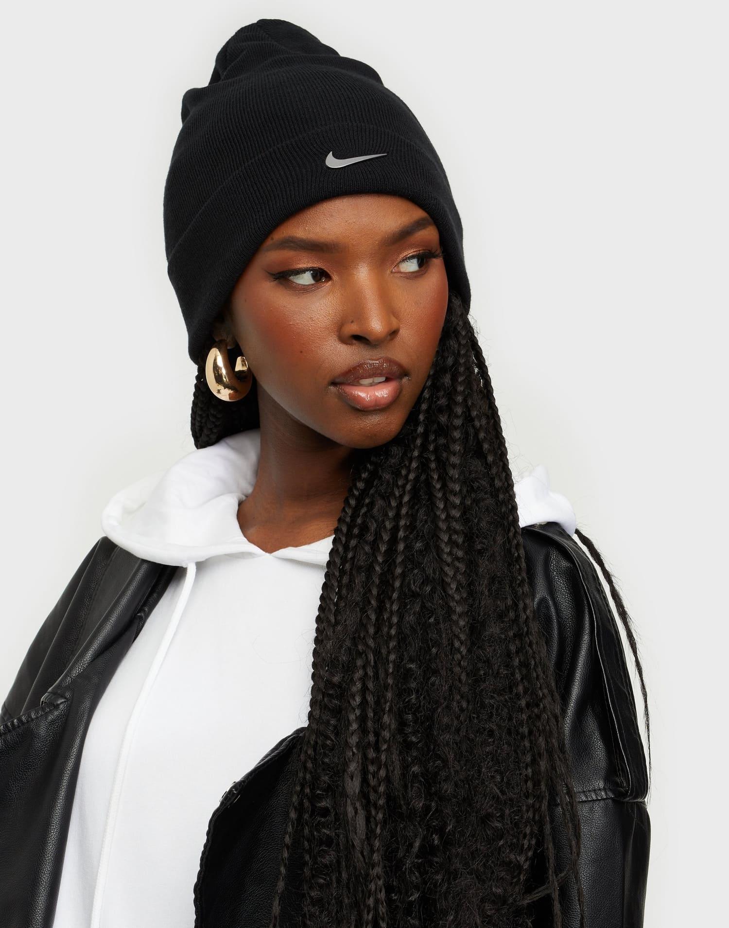 Mössa i svart från Nike för dam 2021 / 2022
