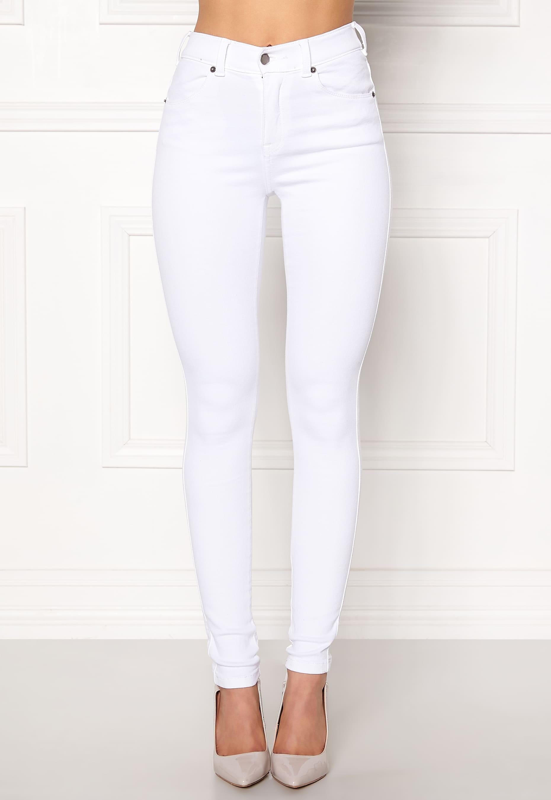 Vita jeans i skinny fit från Dr Denim