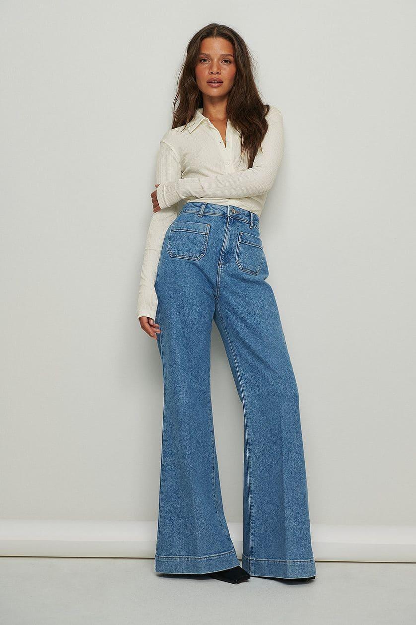 70-tals inspirerade jeans med utsvängning nertill