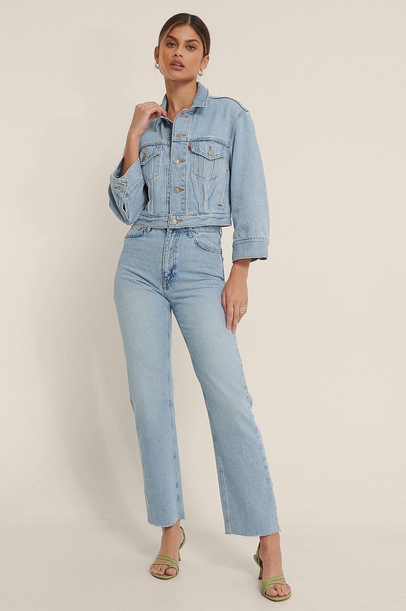 Höga jeans med rak passform och snygga, råa sömmar från NA-KD.
