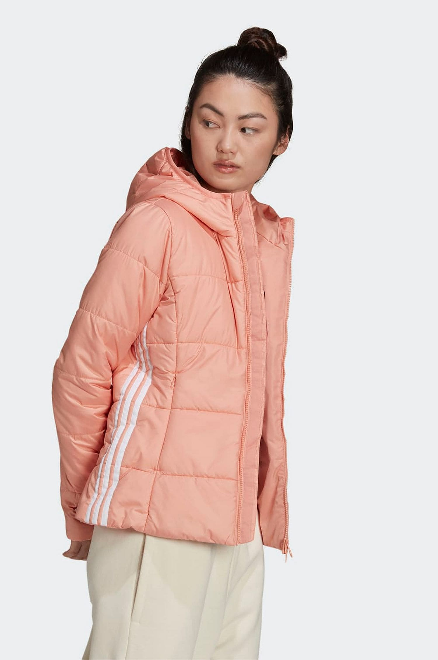 Rosa vadderad jacka i dun från adidas Originals