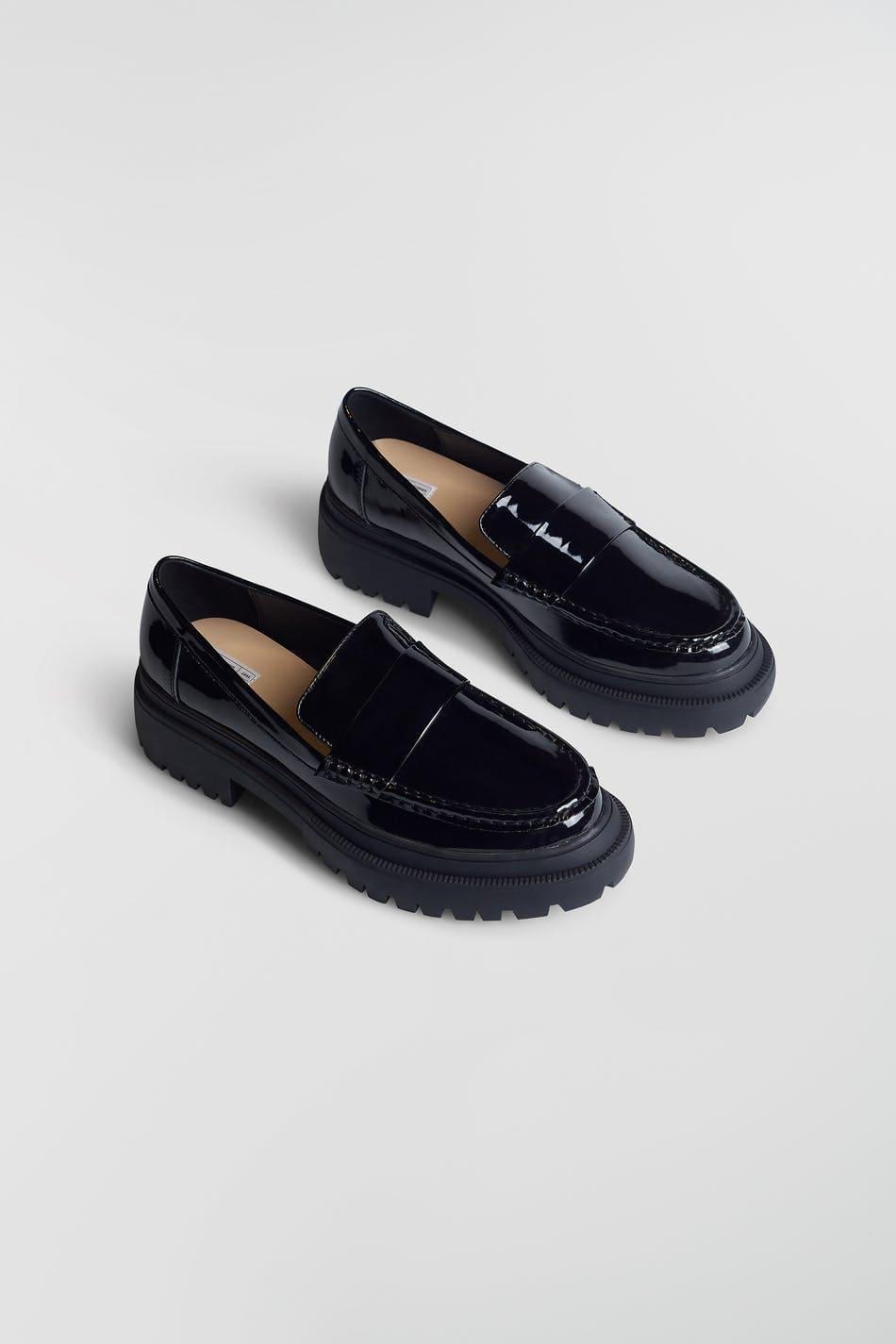Loafers i svart pu för dam 2021