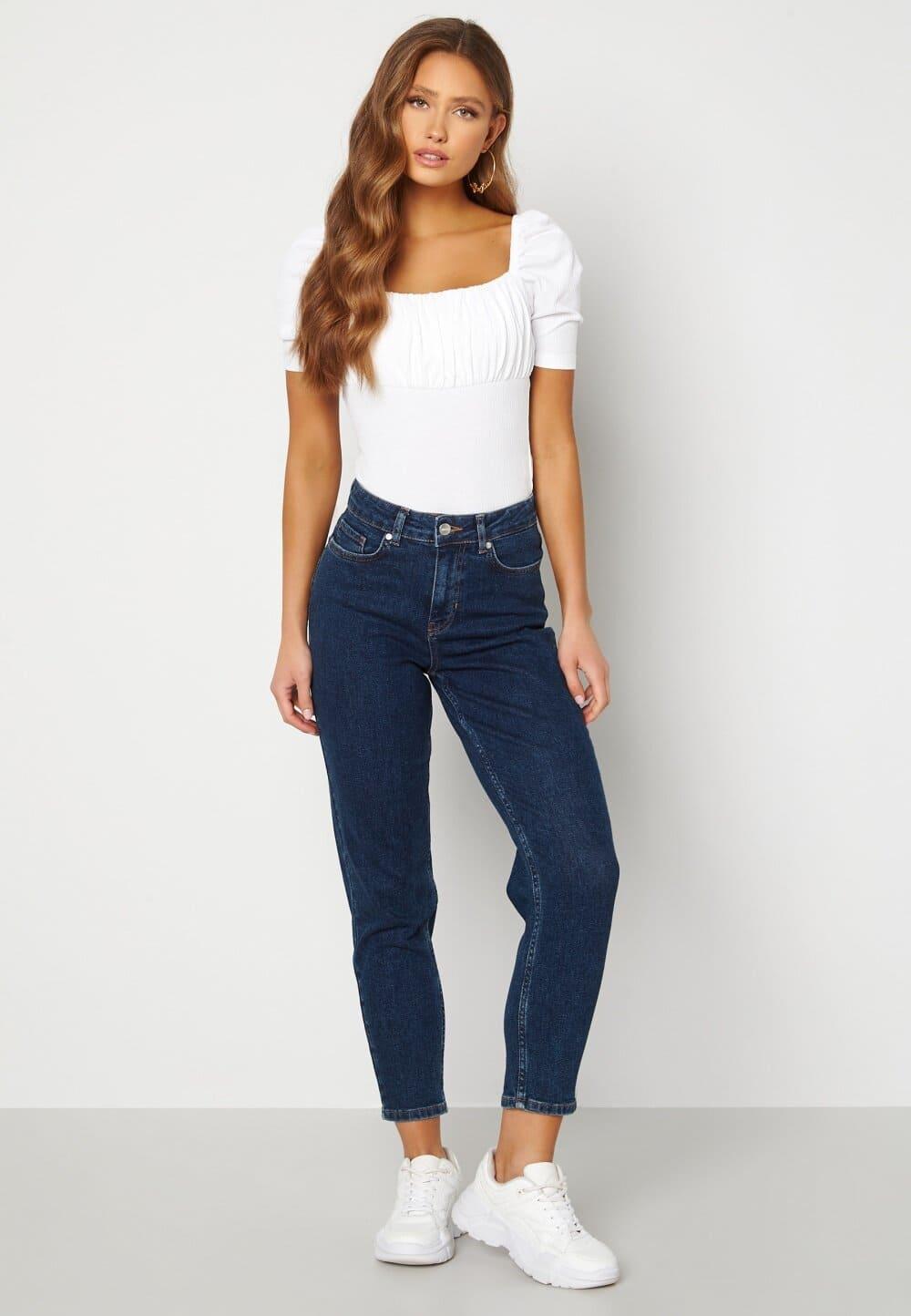 Raka korta jeans i mörkblå färg