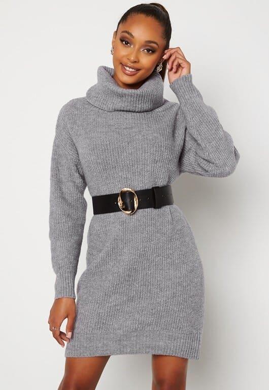 Stickad grå klänning med polokrage för dam 2021