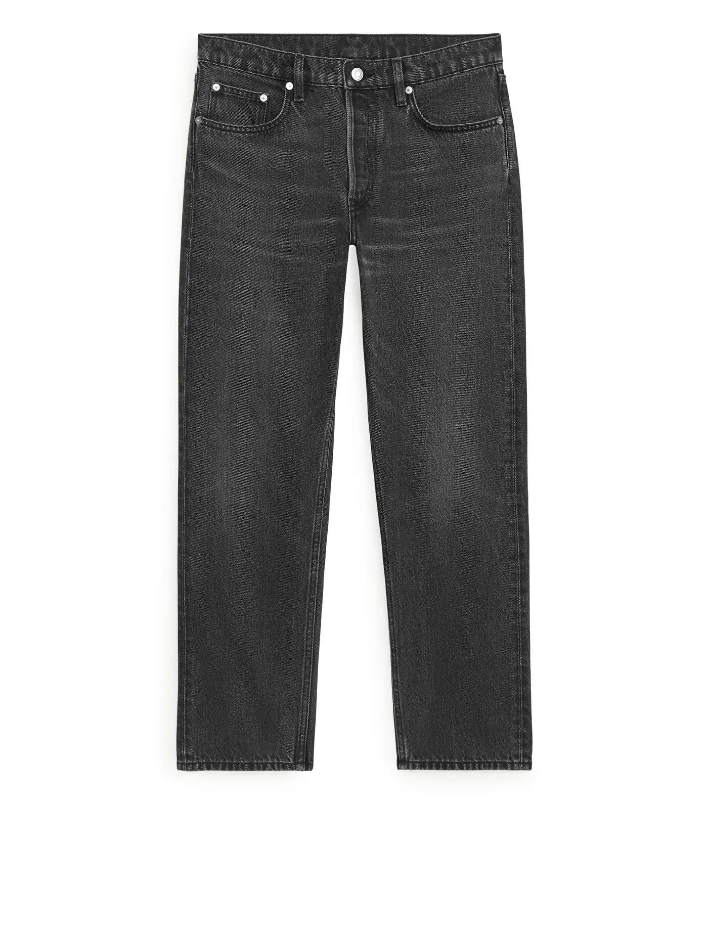 Svarta jeans med korta ben från Arket