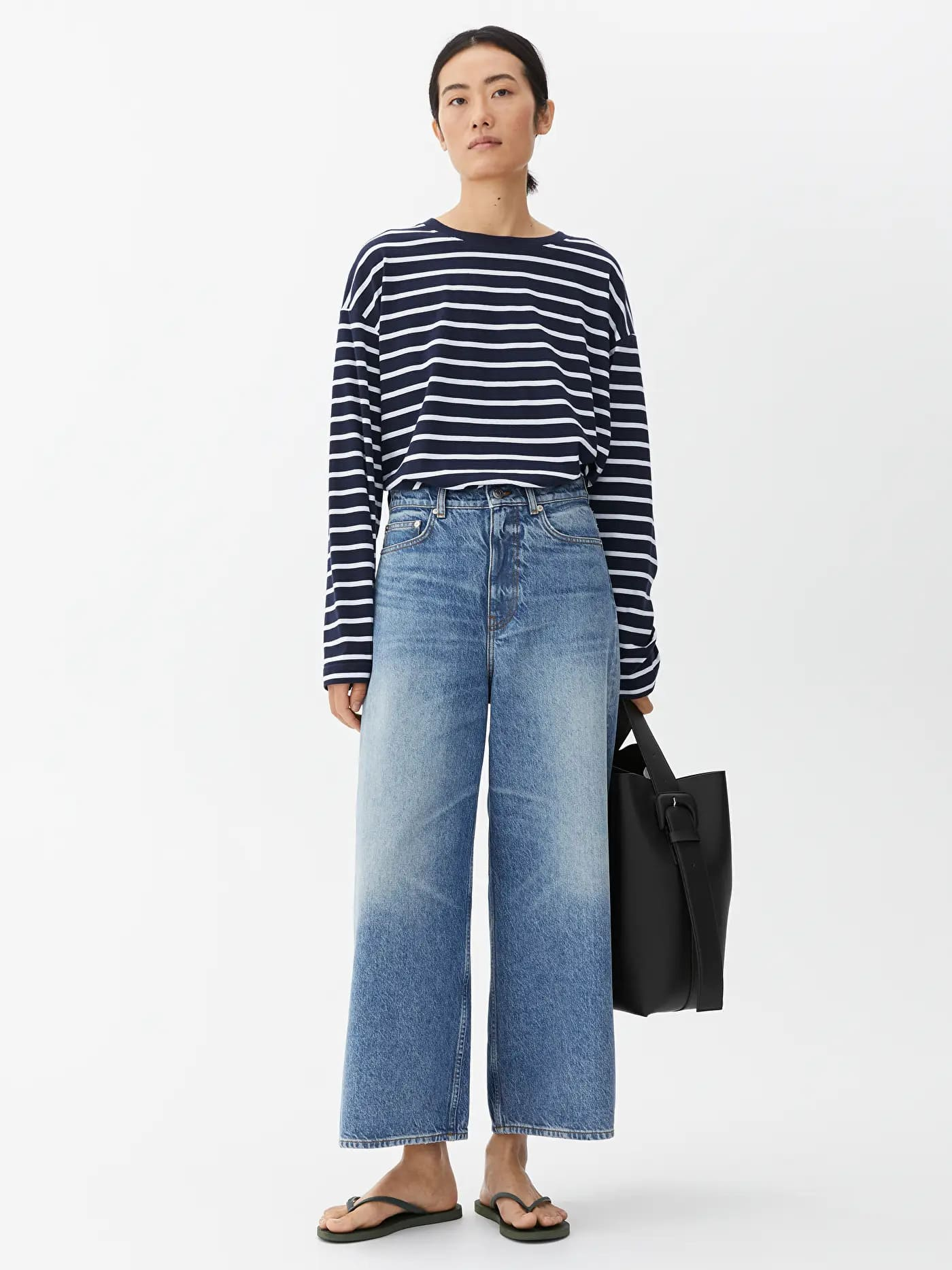 Vida croppade jeans i blå färg för dam 2021