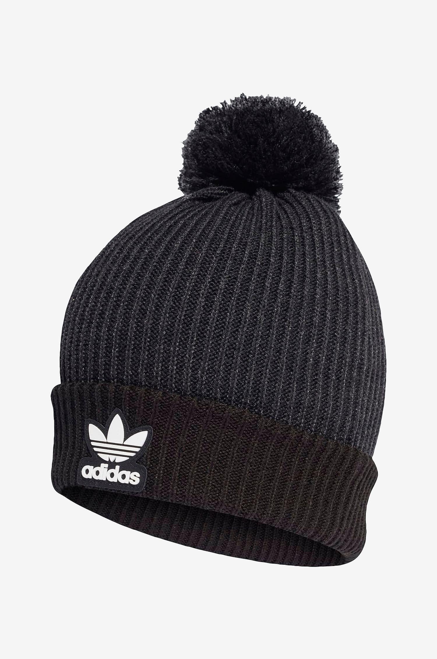 Snygg svart mössa från Adidas med bolltofs
