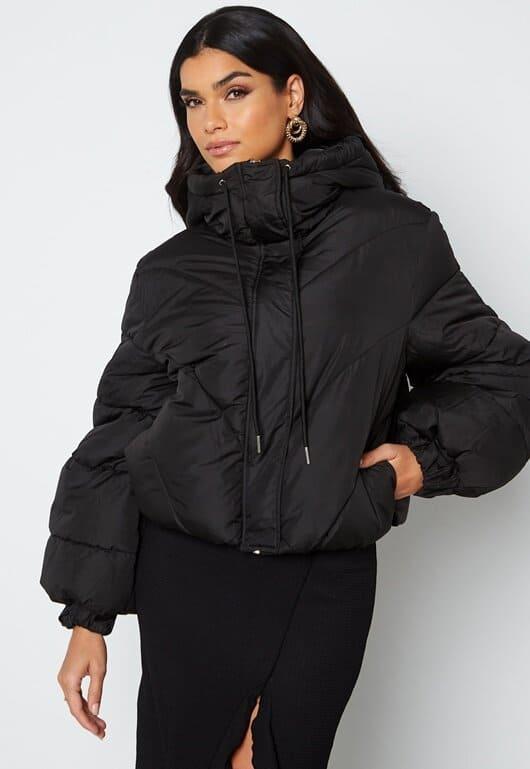 Kort pufferjacket för dam i svart